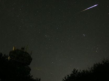 Perseid meteor shower_63672main_image_feature_206_jw4